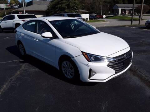 2019 Hyundai Elantra for sale at Strosnider Chevrolet in Hopewell VA