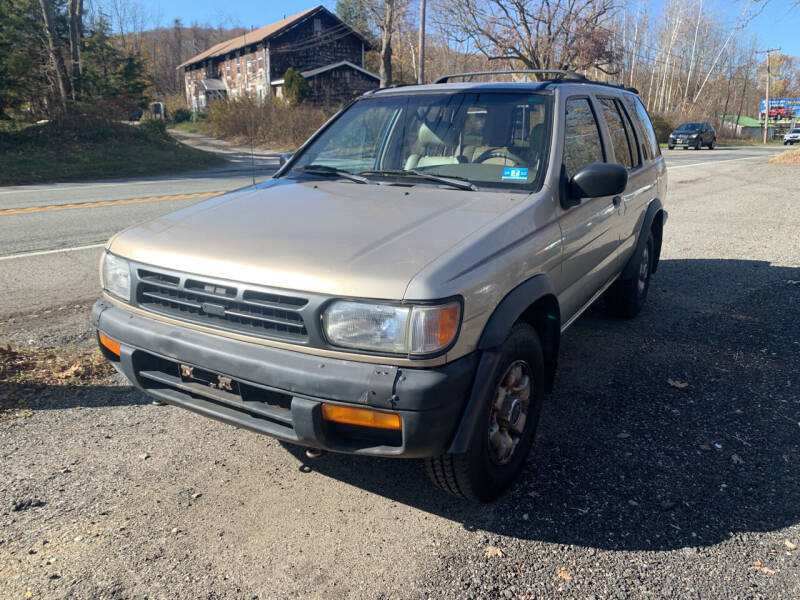 1996 Nissan Pathfinder for sale at LONGWOOD MOTORS in Stockholm NJ