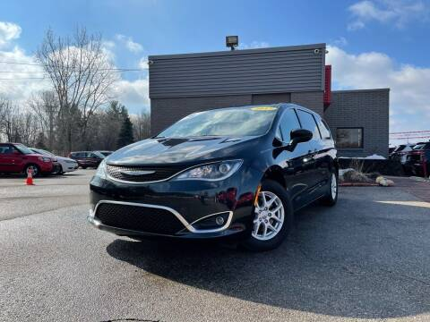 2017 Chrysler Pacifica for sale at George's Used Cars - Telegraph in Brownstown MI
