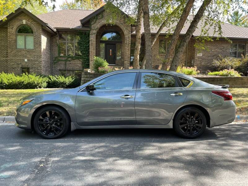 2018 Nissan Altima for sale at You Win Auto in Burnsville MN
