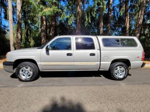 2004 Chevrolet Silverado 1500 for sale at CLEAR CHOICE AUTOMOTIVE in Milwaukie OR