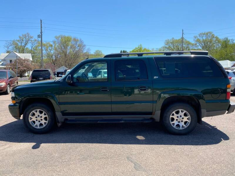 2004 Chevrolet Suburban for sale at RIVERSIDE AUTO SALES in Sioux City IA