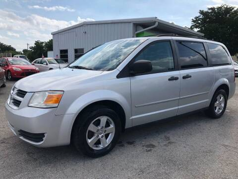 2008 Dodge Grand Caravan for sale at EXECUTIVE CAR SALES LLC in North Fort Myers FL