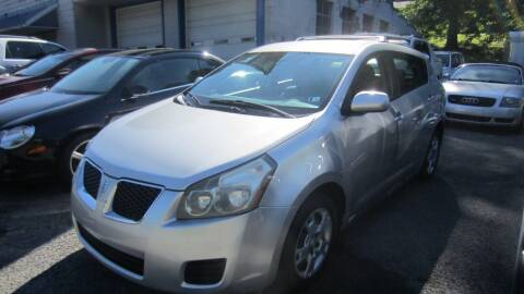 2009 Pontiac Vibe for sale at Auto Outlet of Morgantown in Morgantown WV