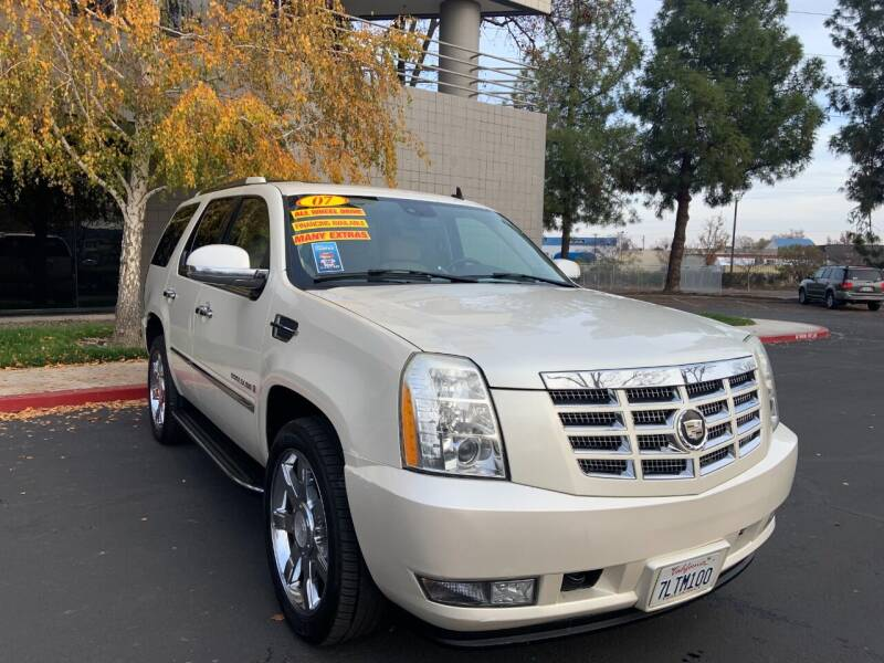 2007 Cadillac Escalade for sale at Right Cars Auto Sales in Sacramento CA