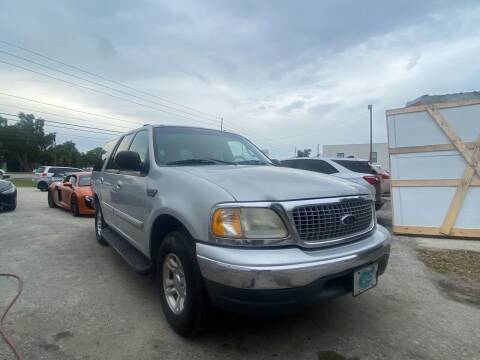 2001 Ford Expedition for sale at ONYX AUTOMOTIVE, LLC in Largo FL
