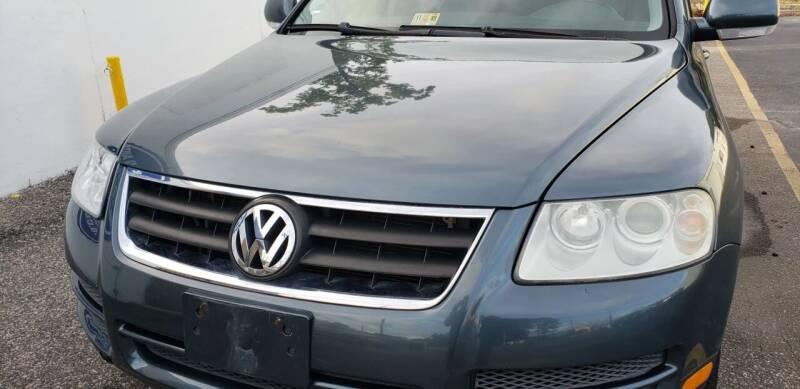 2006 Volkswagen Touareg for sale at M B & D AUTO in Va Beach VA