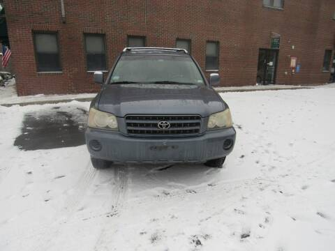 2003 Toyota Highlander for sale at Heritage Truck and Auto Inc. in Londonderry NH
