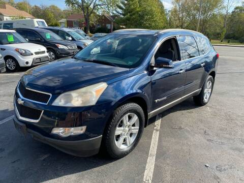 2009 Chevrolet Traverse for sale at Auto Choice in Belton MO