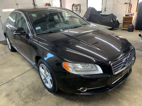 2012 Volvo S80 for sale at QUINN'S AUTOMOTIVE in Leominster MA
