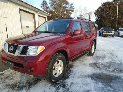2006 Nissan Pathfinder for sale at NORTHLAND AUTO SALES in Dale WI