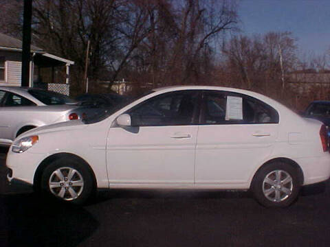 2011 Hyundai Accent for sale at Bates Auto & Truck Center in Zanesville OH