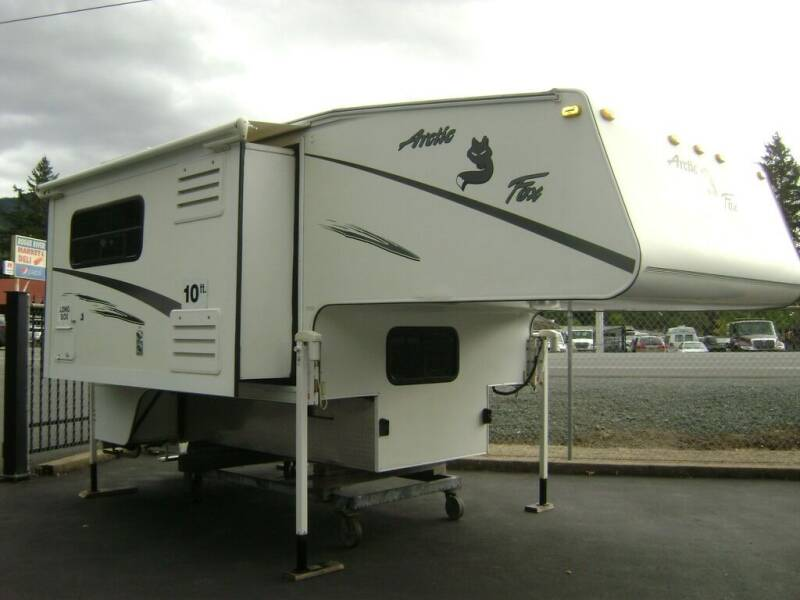 2004 ArticFox 990 / 17' for sale at Jim Clarks Consignment Country in Grants Pass OR