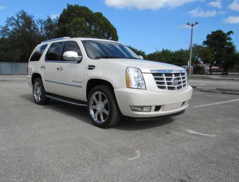 2008 Cadillac Escalade for sale at United Auto Center in Davie FL