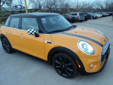 2015 MINI Hardtop 4 Door for sale at SPORT CITY MOTORS in Dallas TX