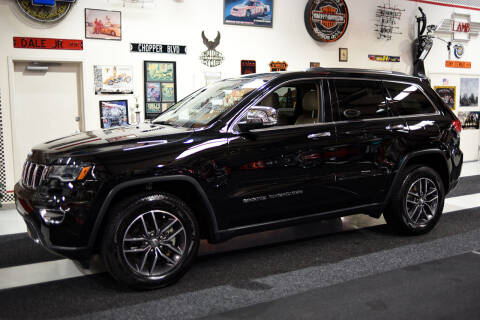 2018 Jeep Grand Cherokee for sale at Crystal Motorsports in Homosassa FL