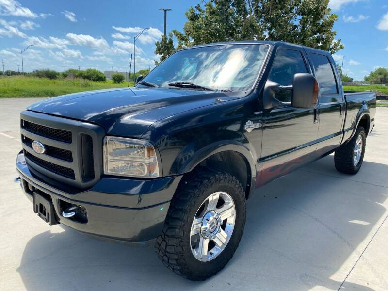 2005 Ford F-250 Super Duty for sale at GTC Motors in San Antonio TX