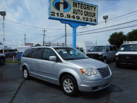 2009 Chrysler Town and Country for sale at Integrity Auto Group in Langhorne PA