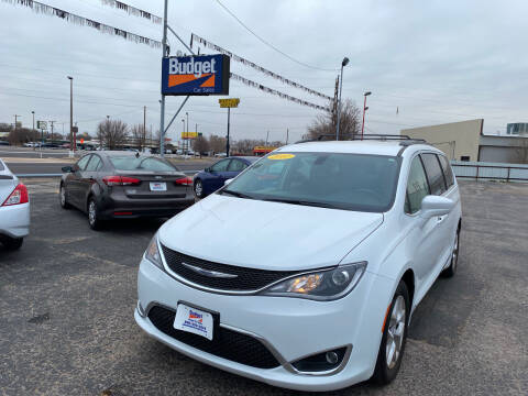 2017 Chrysler Pacifica for sale at BUDGET CAR SALES in Amarillo TX