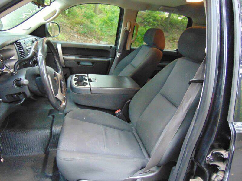 2011 Chevrolet Silverado 2500HD 4x2 LT 4dr Crew Cab SB - Waterbury CT