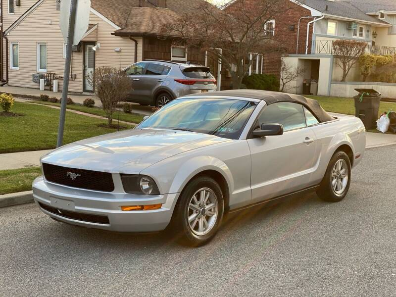 2006 Ford Mustang for sale at Reis Motors LLC in Lawrence NY
