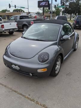 2005 Volkswagen New Beetle Convertible for sale at Corridor Motors in Cedar Rapids IA