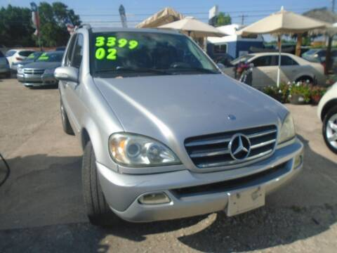 2002 Mercedes-Benz M-Class for sale at SCOTT HARRISON MOTOR CO in Houston TX