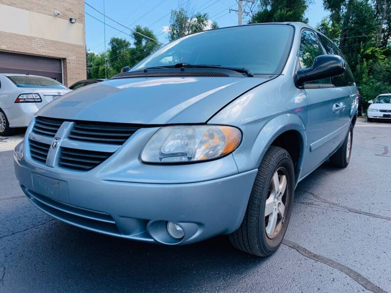 2005 Dodge Grand Caravan for sale at Quality Auto Sales And Service Inc in Westchester IL