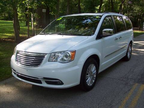 2015 Chrysler Town and Country for sale at Edgewater of Mundelein Inc in Wauconda IL