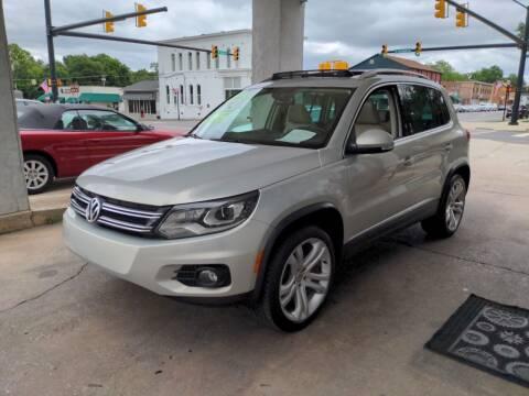 2013 Volkswagen Tiguan for sale at ROBINSON AUTO BROKERS in Dallas NC