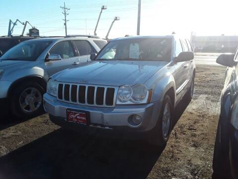 2007 Jeep Grand Cherokee for sale at BARNES AUTO SALES in Mandan ND