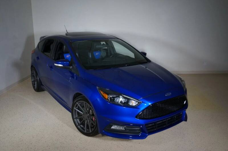 2015 Ford Focus for sale at TopGear Motorcars in Grand Prairie TX