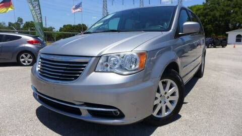 2013 Chrysler Town and Country for sale at Das Autohaus Quality Used Cars in Clearwater FL