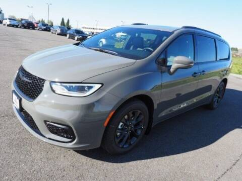 2021 Chrysler Pacifica for sale at Karmart in Burlington WA