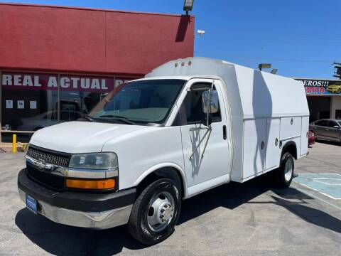 2004 Chevrolet Express Cutaway for sale at Sanmiguel Motors in South Gate CA