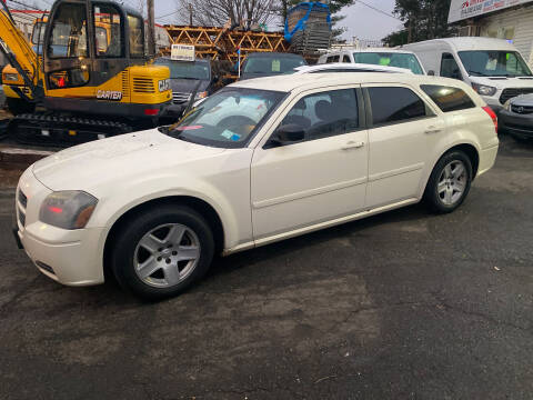 2005 Dodge Magnum for sale at White River Auto Sales in New Rochelle NY