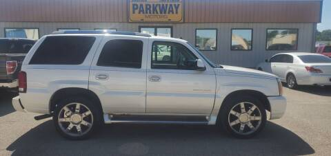 2003 Cadillac Escalade for sale at Parkway Motors in Springfield IL