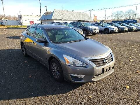 2015 Nissan Altima for sale at BETTER BUYS AUTO INC in East Windsor CT