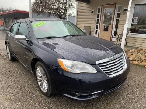 2011 Chrysler 200 for sale at G & G Auto Sales in Steubenville OH
