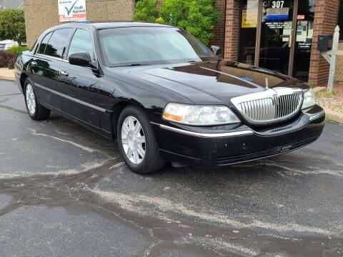 2010 Lincoln Town Car for sale at Mighty Motors in Adrian MI