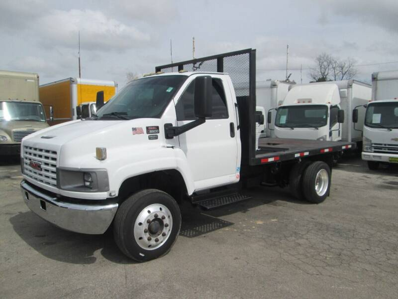 2008 GMC C5500 for sale at Pasadena Auto Planet - 9172 North Freeway in Houston TX