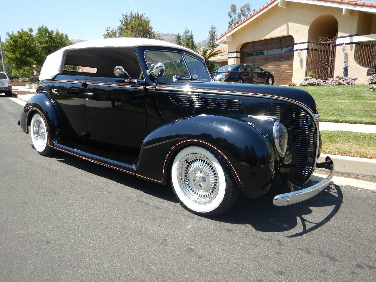 1938 Ford Cabriolet 30