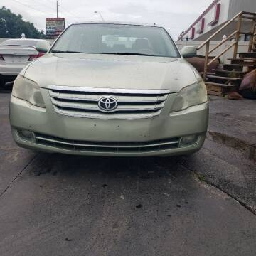 2005 Toyota Avalon for sale at 4 Guys Auto in Tampa FL