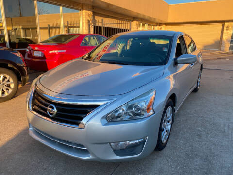 2013 Nissan Altima for sale at Houston Auto Gallery in Katy TX