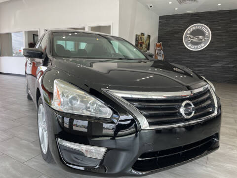 2013 Nissan Altima for sale at Evolution Autos in Whiteland IN