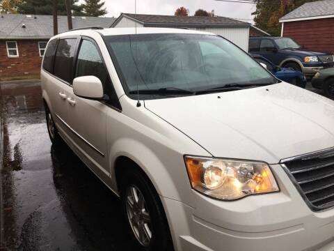 2009 Chrysler Town and Country for sale at Marti Motors Inc in Madison IL
