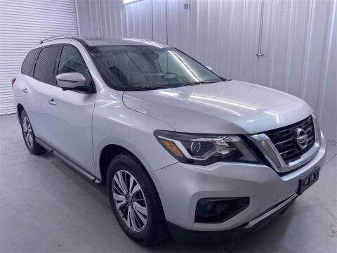 2019 Nissan Pathfinder for sale at JOE BULLARD USED CARS in Mobile AL
