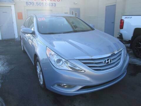 2013 Hyundai Sonata for sale at Small Town Auto Sales in Hazleton PA