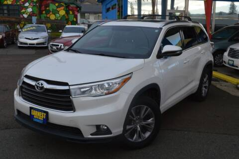 2015 Toyota Highlander for sale at Earnest Auto Sales in Roseburg OR