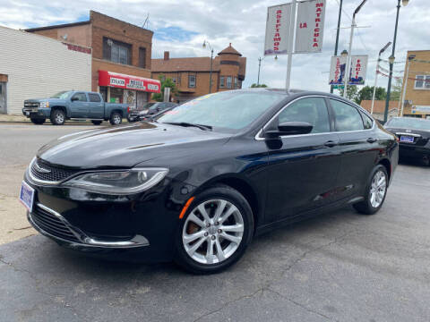 2015 Chrysler 200 for sale at Latino Motors in Aurora IL